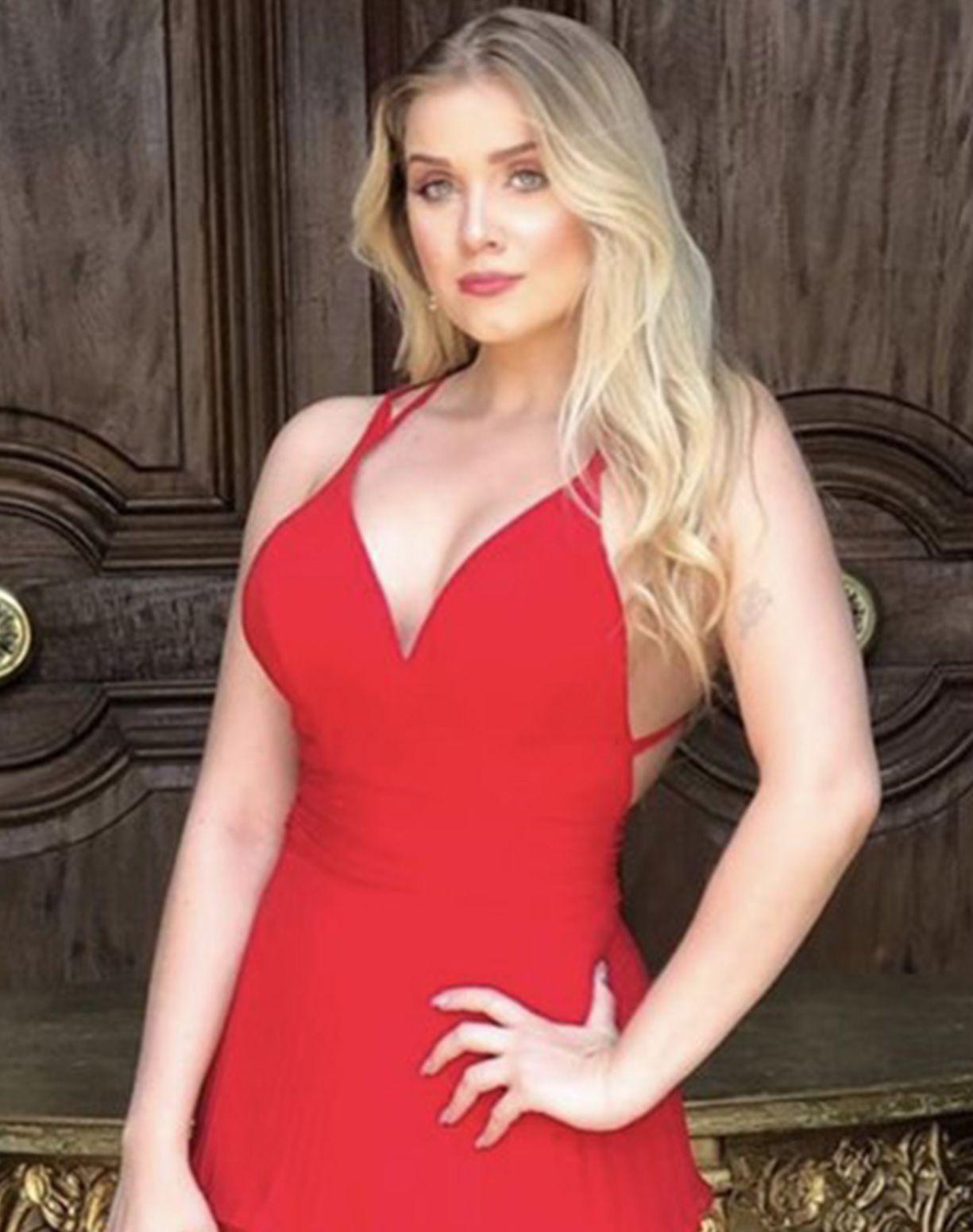 Vestido Vermelho Com Camadas Plissadas