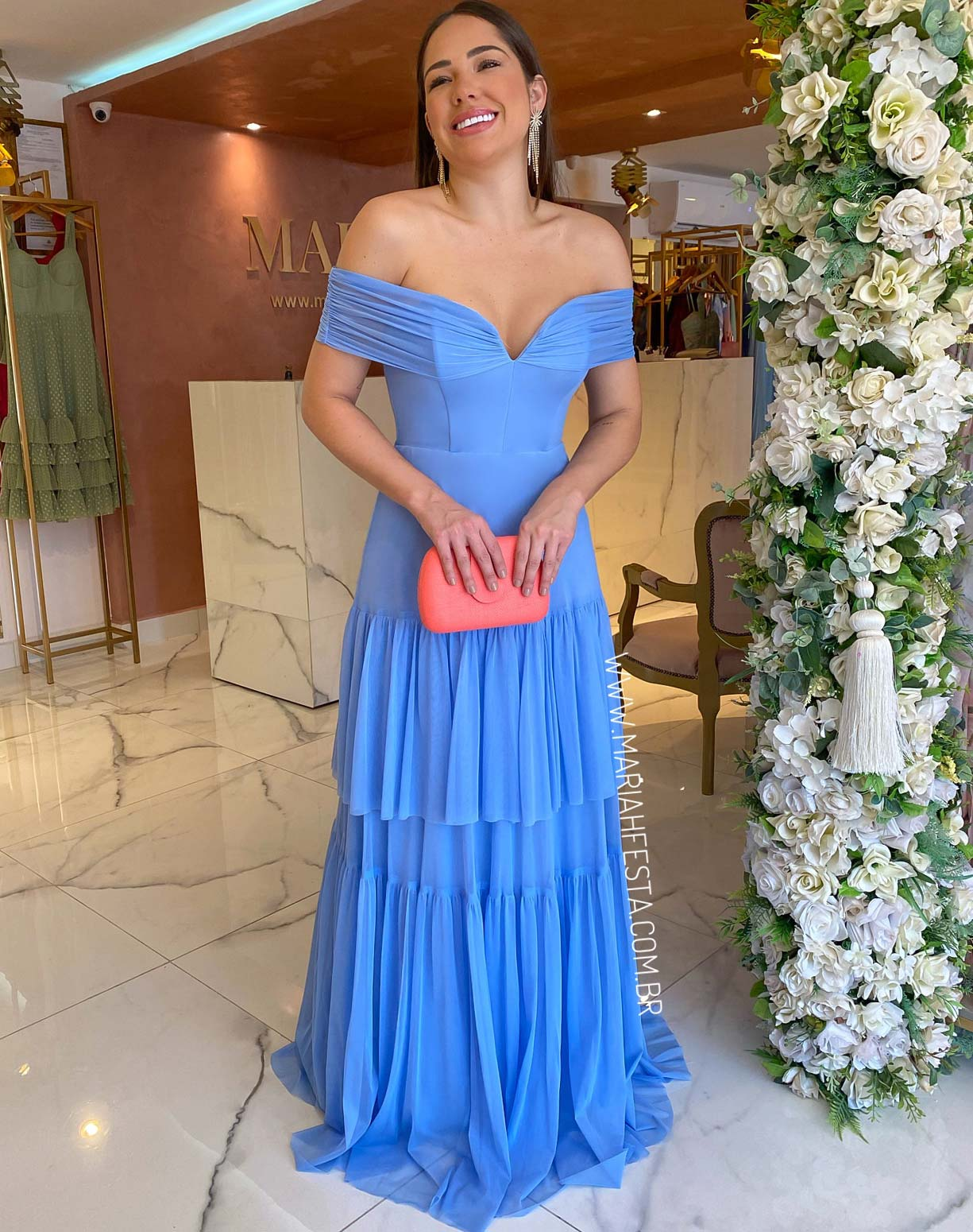 Vestido Azul Serenity em Tule com Decote Ombro a Ombro