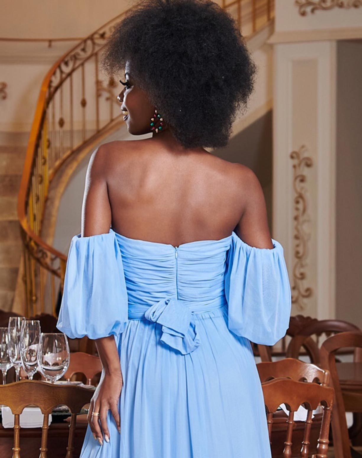 Vestido Azul Serenity em Tule com Manga Ombro a ombro