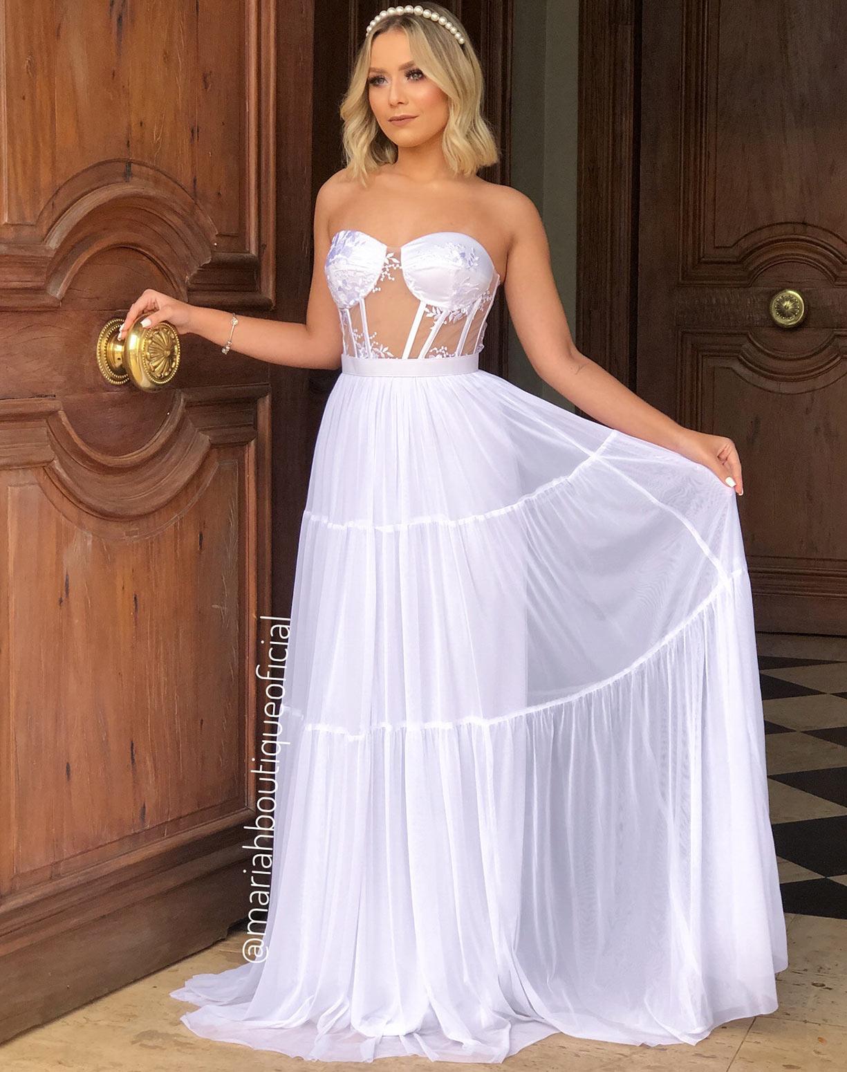 Vestido Branco com Corpete e Saia em Tule