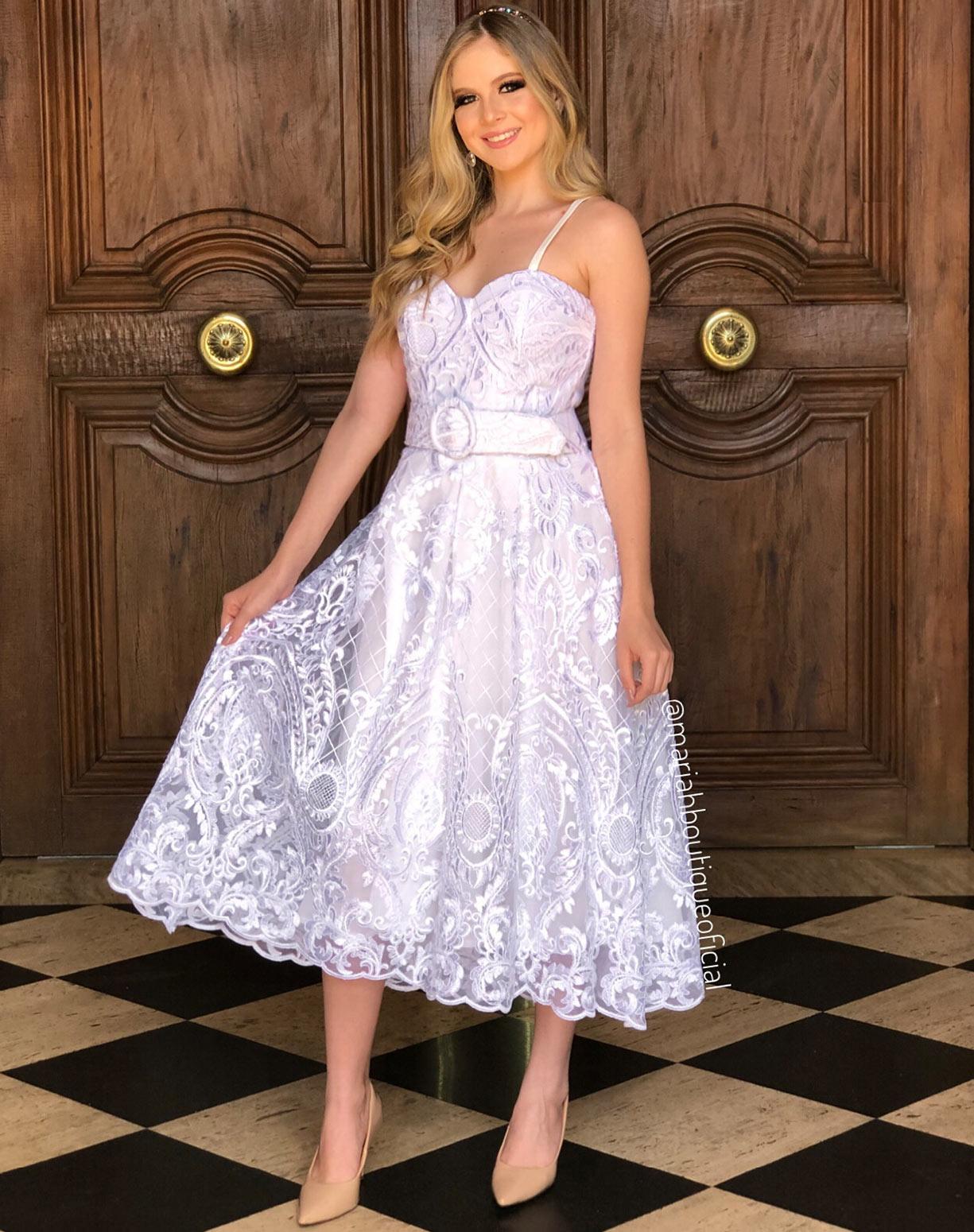 Vestido Branco Midi em Renda