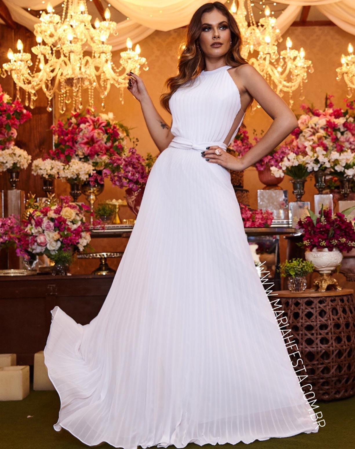 Vestido Branco Plissado com Transparência na Lateral do Corpo