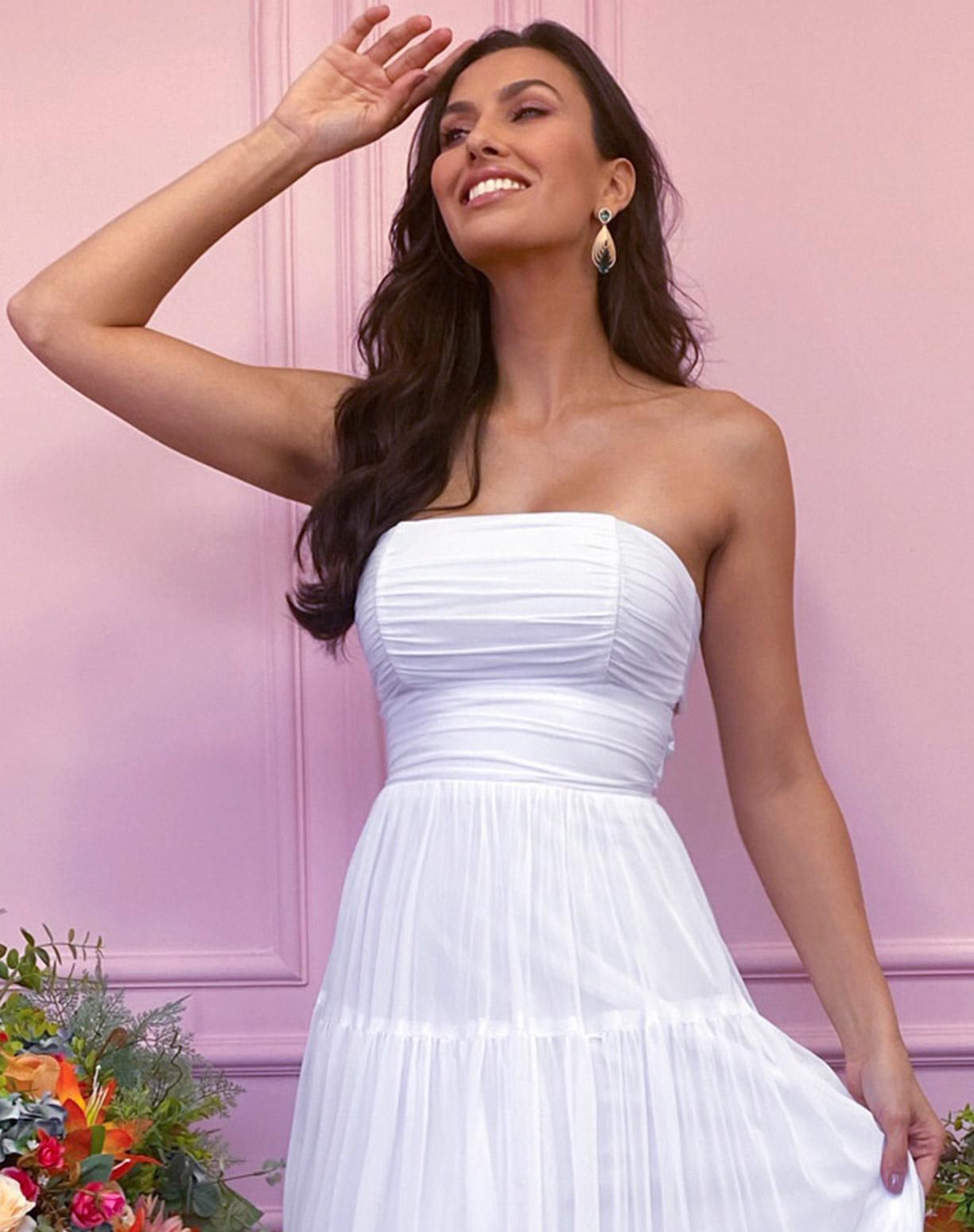 Vestido Branco Tomara que Caia em Tule