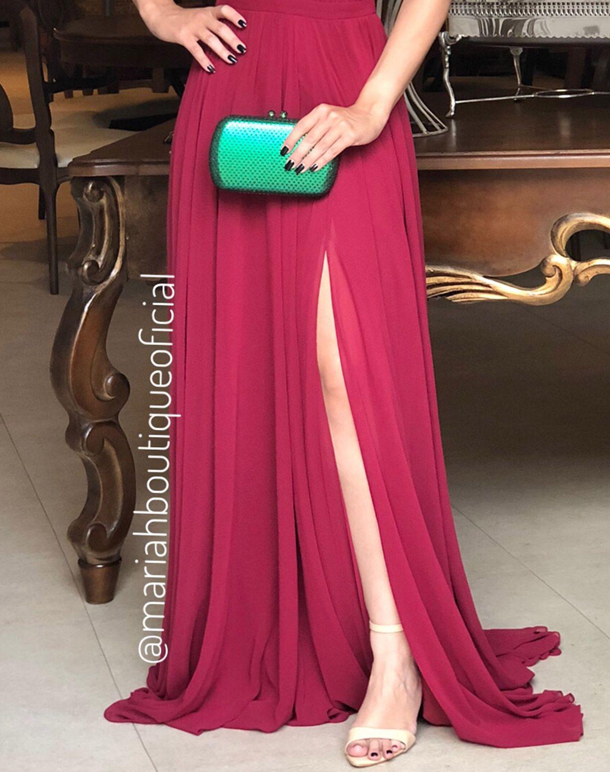 Vestido Marsala com Decote e Fenda