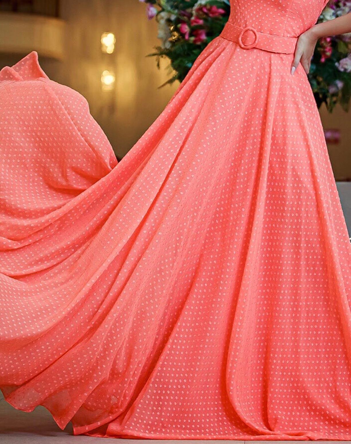 Vestido Coral de um Ombro Só Texturizado