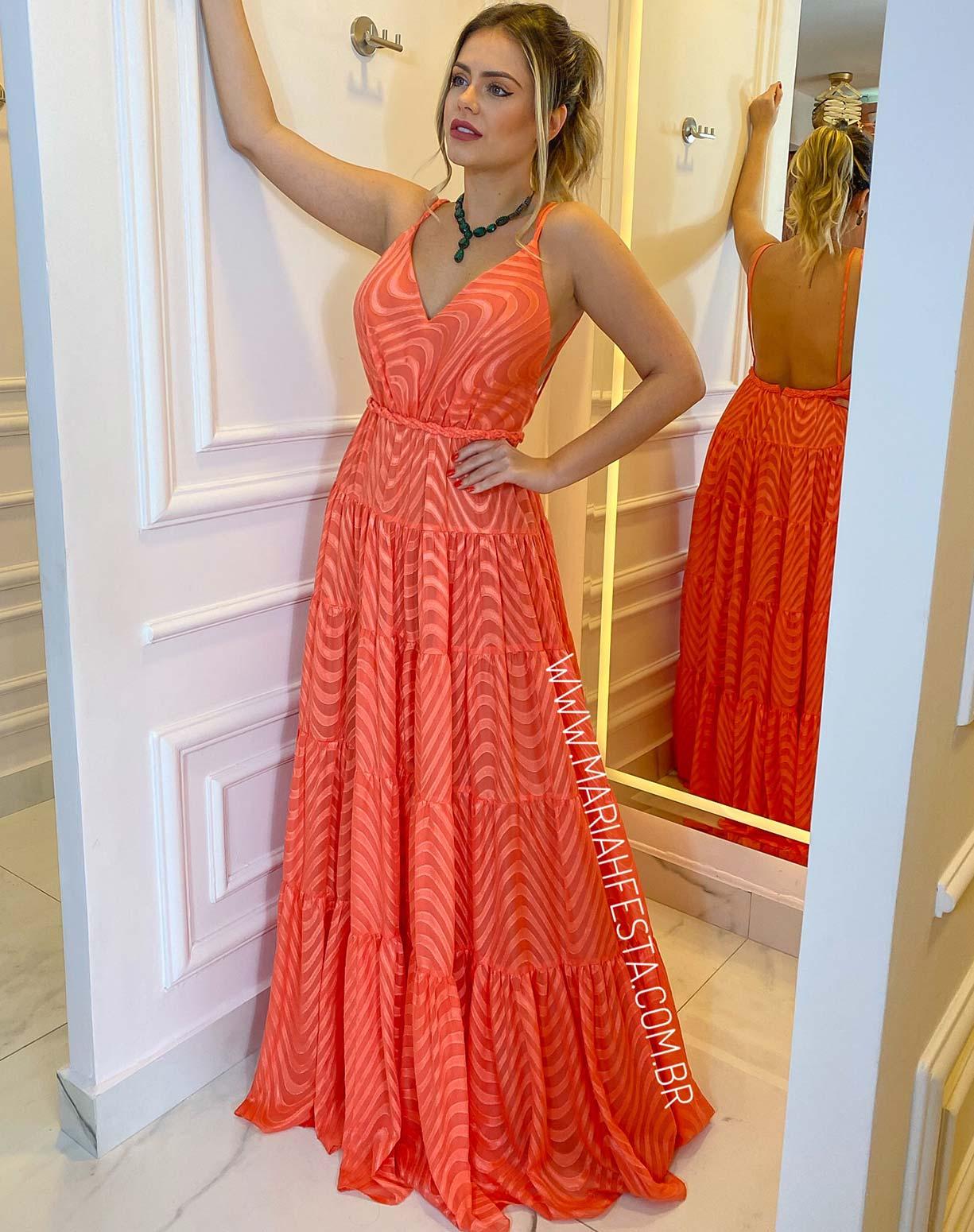 Vestido Coral em Musseline Texturizado com Decote nas Costas