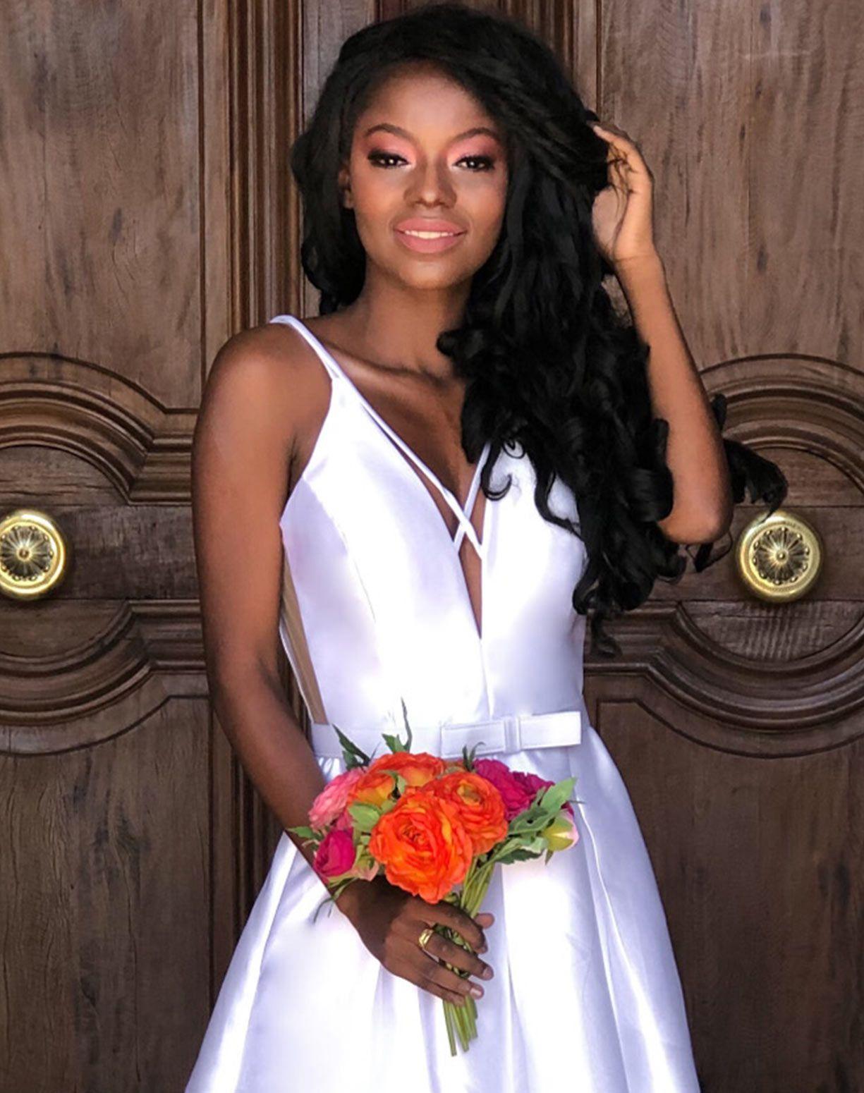 Vestido Branco em Zibeline Com Cinto de Lacinho