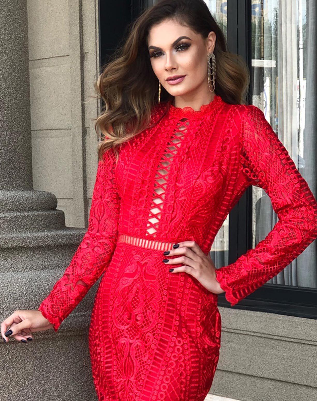 Vestido Vermelho Manga Longa em Renda