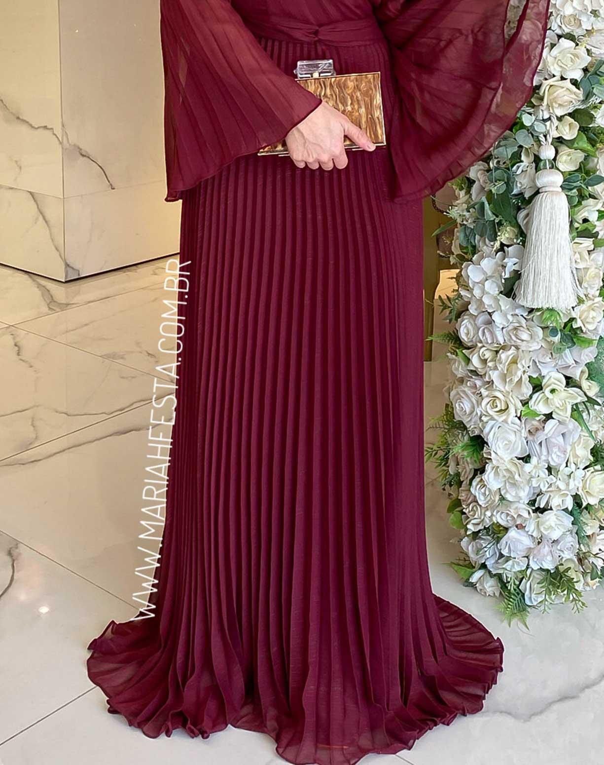 Vestido Marsala com Manga Flare Plissada