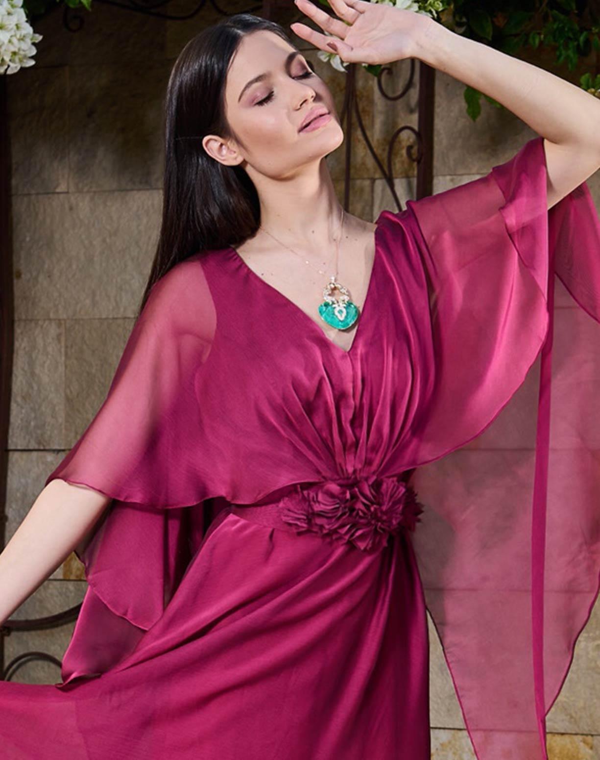Vestido Marsala em Organza com Aplicação em Flores no Cinto