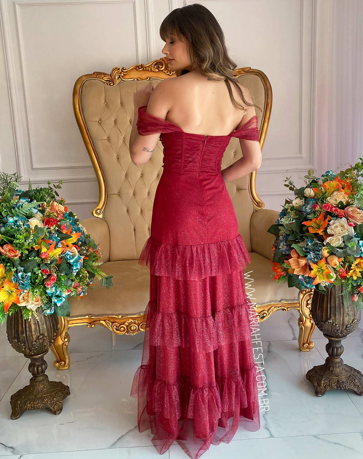 Vestido Marsala em Tule Glitter com Corpete Drapeado