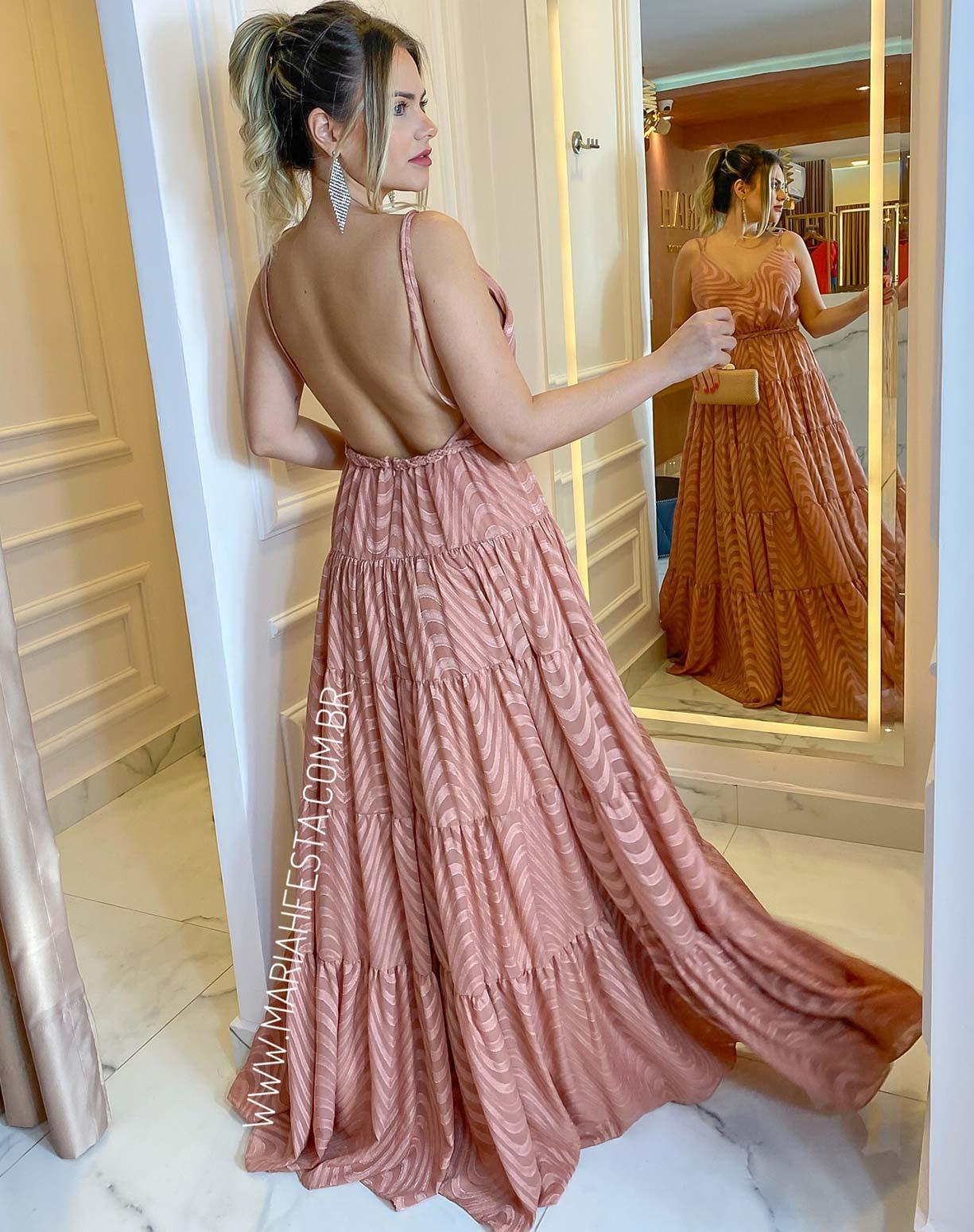 Vestido Nude em Musseline Texturizado com Decote nas Costas