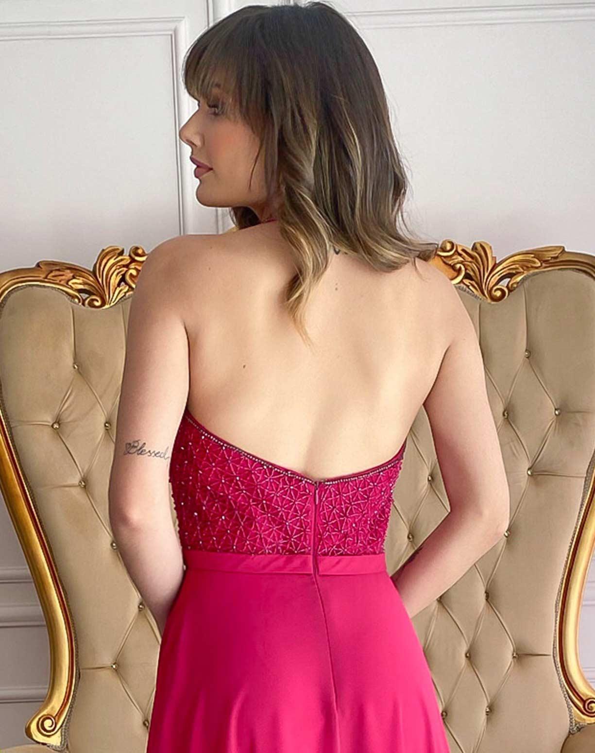 Vestido Pink com Corpinho Frente Única Bordado