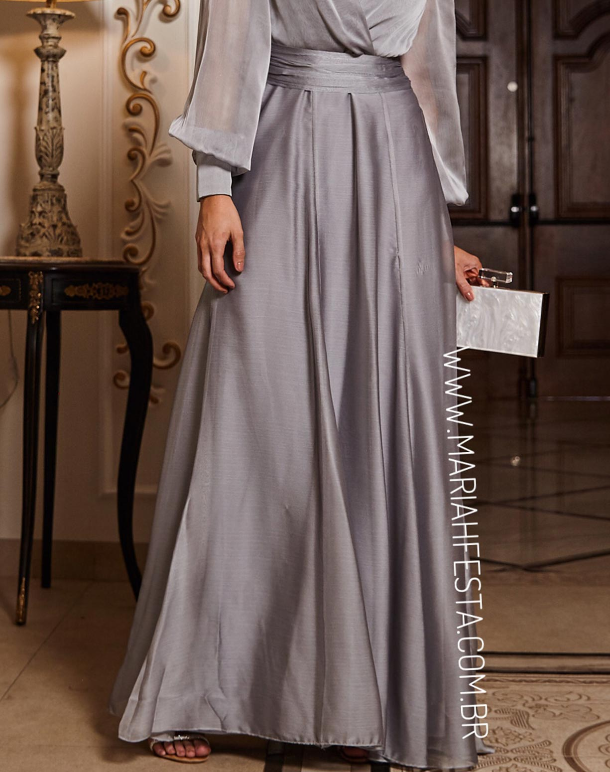 Vestido Prata Manga Longa em Organza