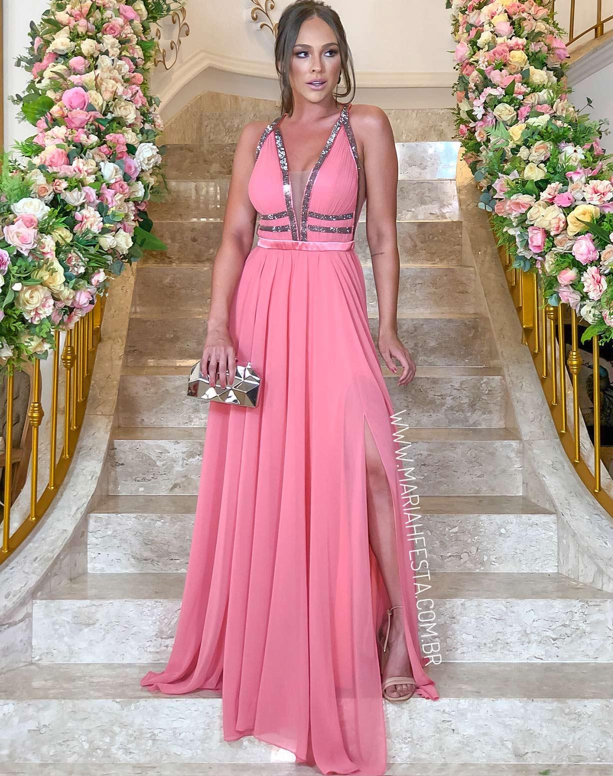 Vestido Rosa com Busto Plissado e Detalhes em Brilho