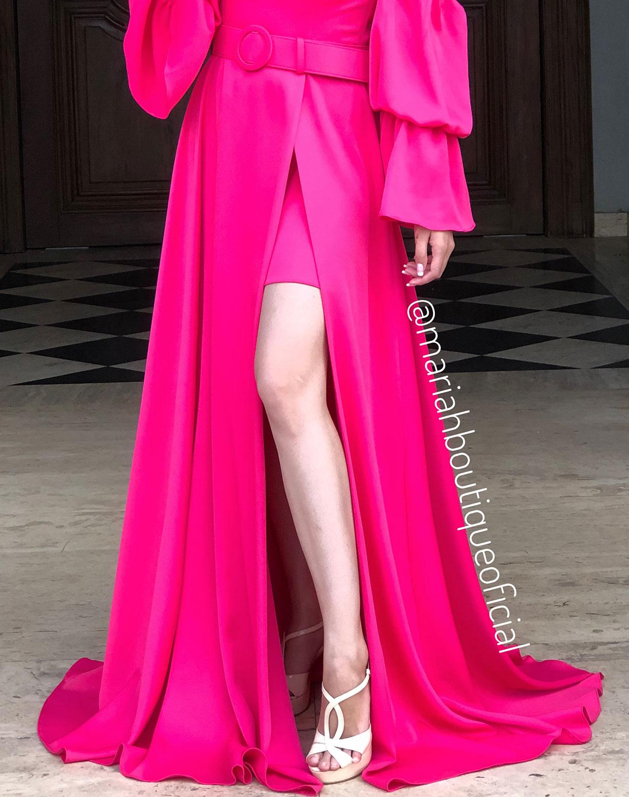 Vestido Rosa Pink Manga Bufante com Fenda