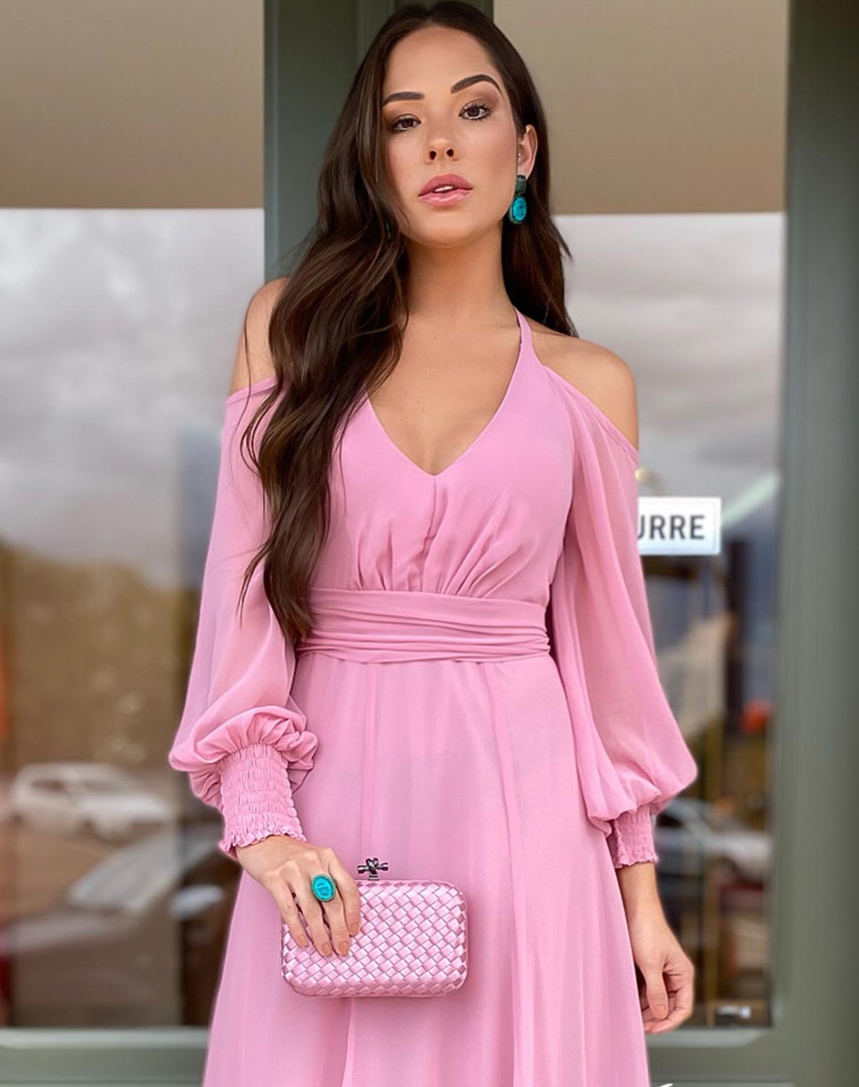 Vestido Rosê com Manga Bufante Vazada no Ombro