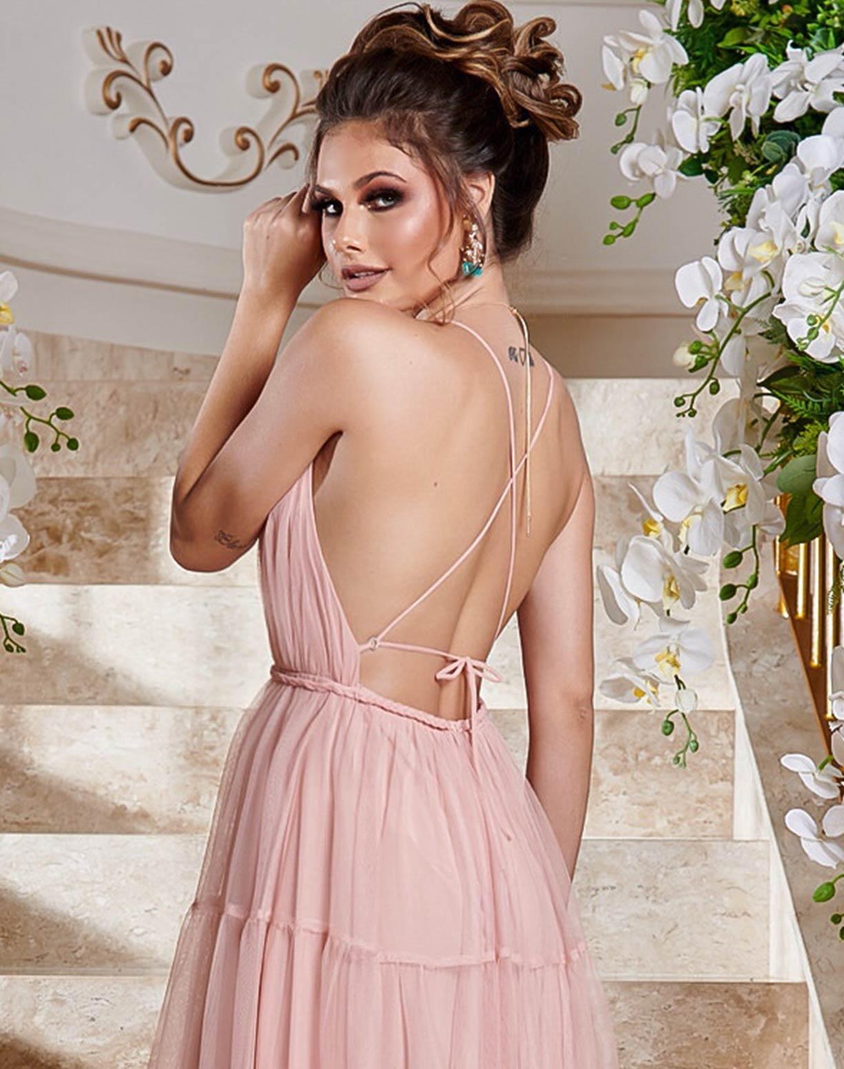 Vestido Rosê em Tule com Saia em Camadas e Decote nas Costas