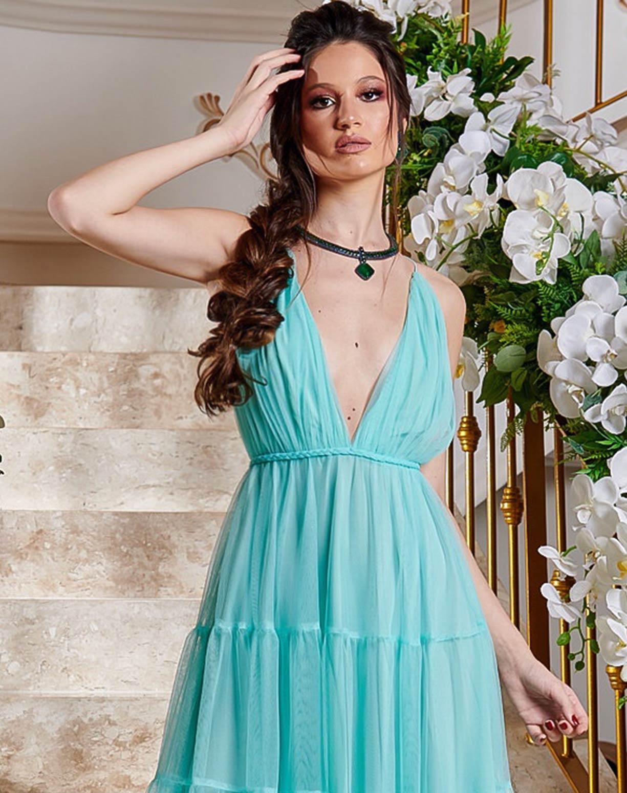 Vestido Tiffany em Tule com Saia em Camadas e Decote nas Costas