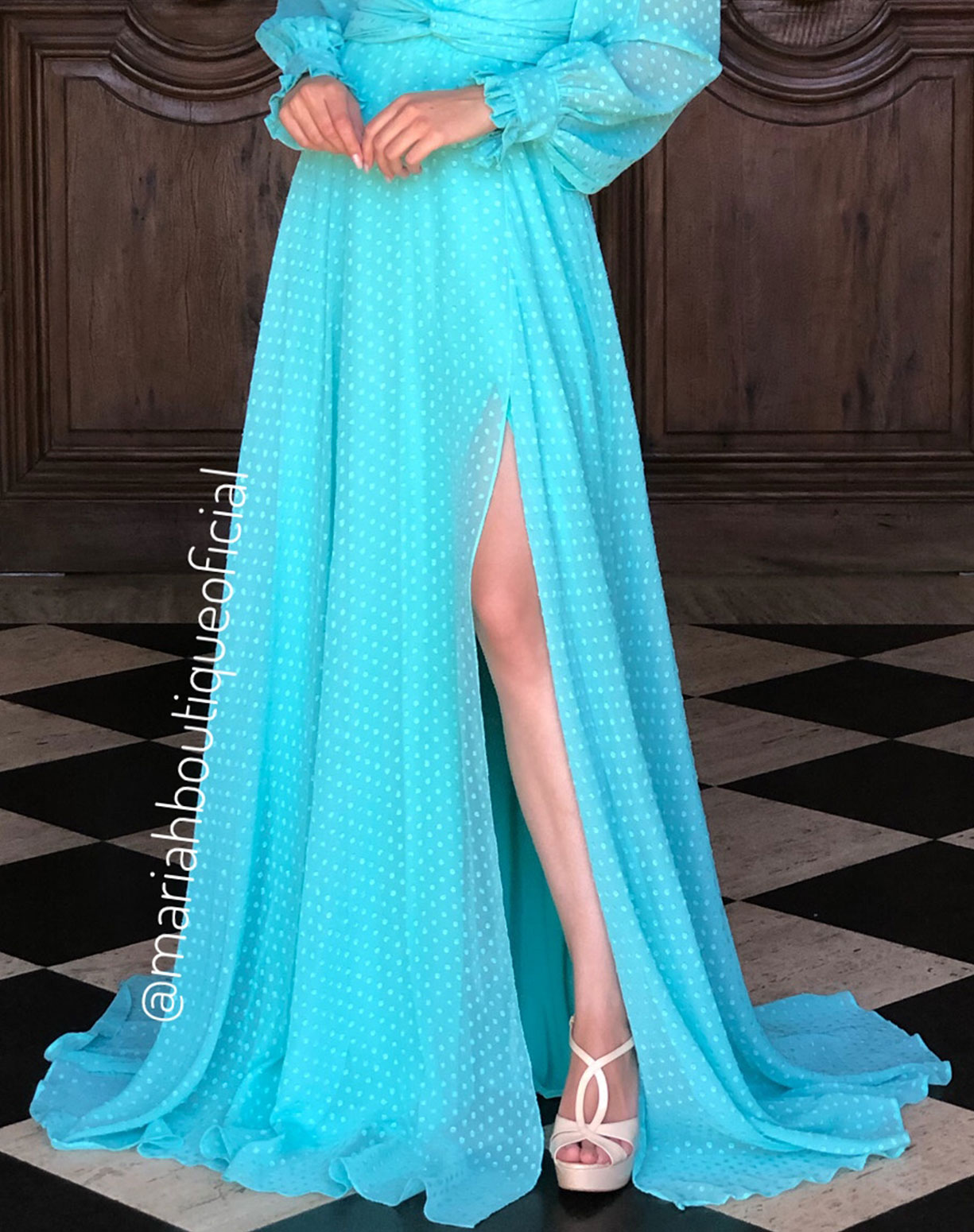 Vestido Tiffany  Manga Longa Com Textura em Poá