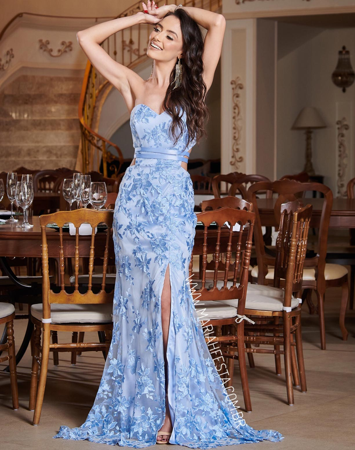 Vestido Tomara que Caia Sereia Azul Serenity em Renda com Fenda