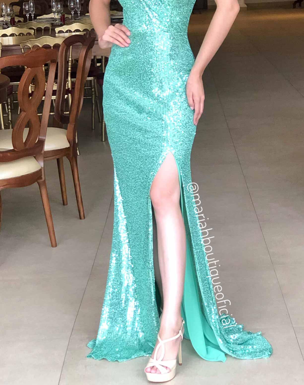 Vestido Verde Pistache Modelo Sereia em Paetê