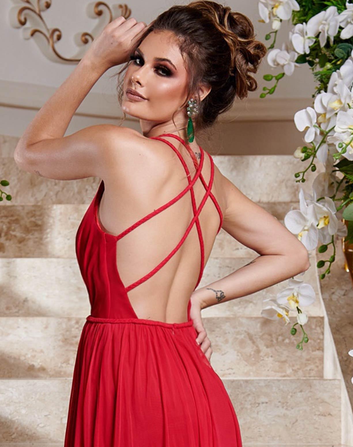 Vestido Vermelho em Tule com Duas Fendas