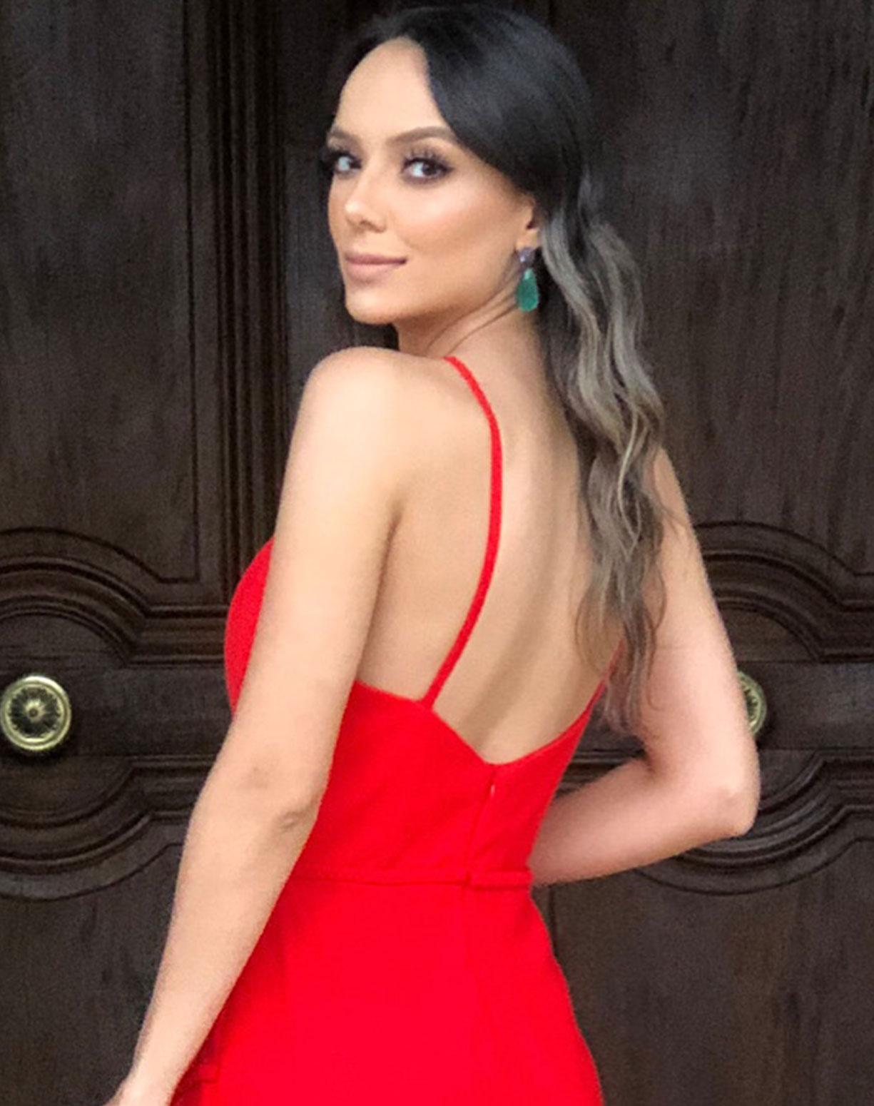 Vestido Vermelho Sereia com Barra Plissada