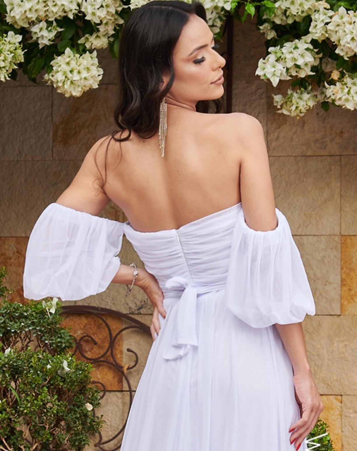 Vestido Branco em Tule com Manga Ombro a Ombro
