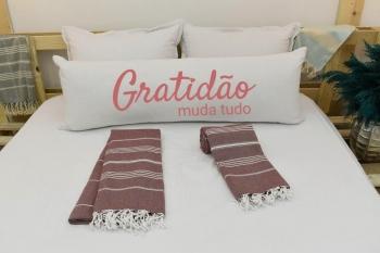 Capa Para Travesseiro De Corpo Body Pillow Natural 40x130cm Gratidão Rosa