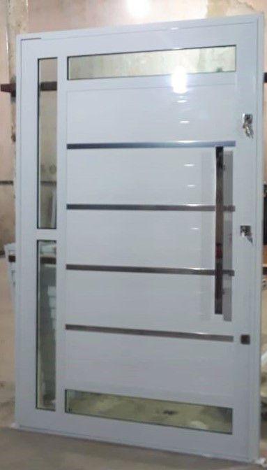 Porta Pivotante BRANCA Com Frisos e 4 Vidros L30