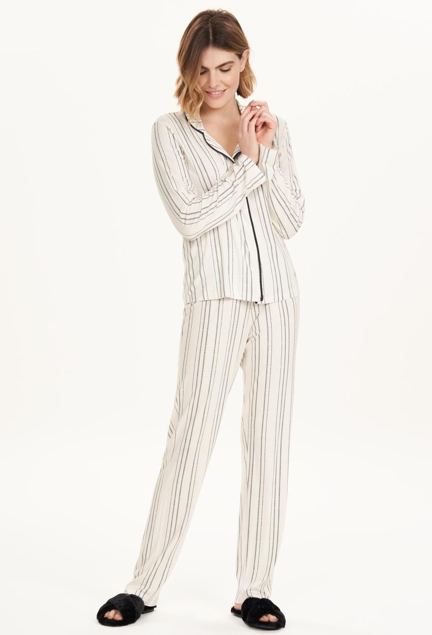 Pijama Manga Longa com Abertura Listras Cor com Amor