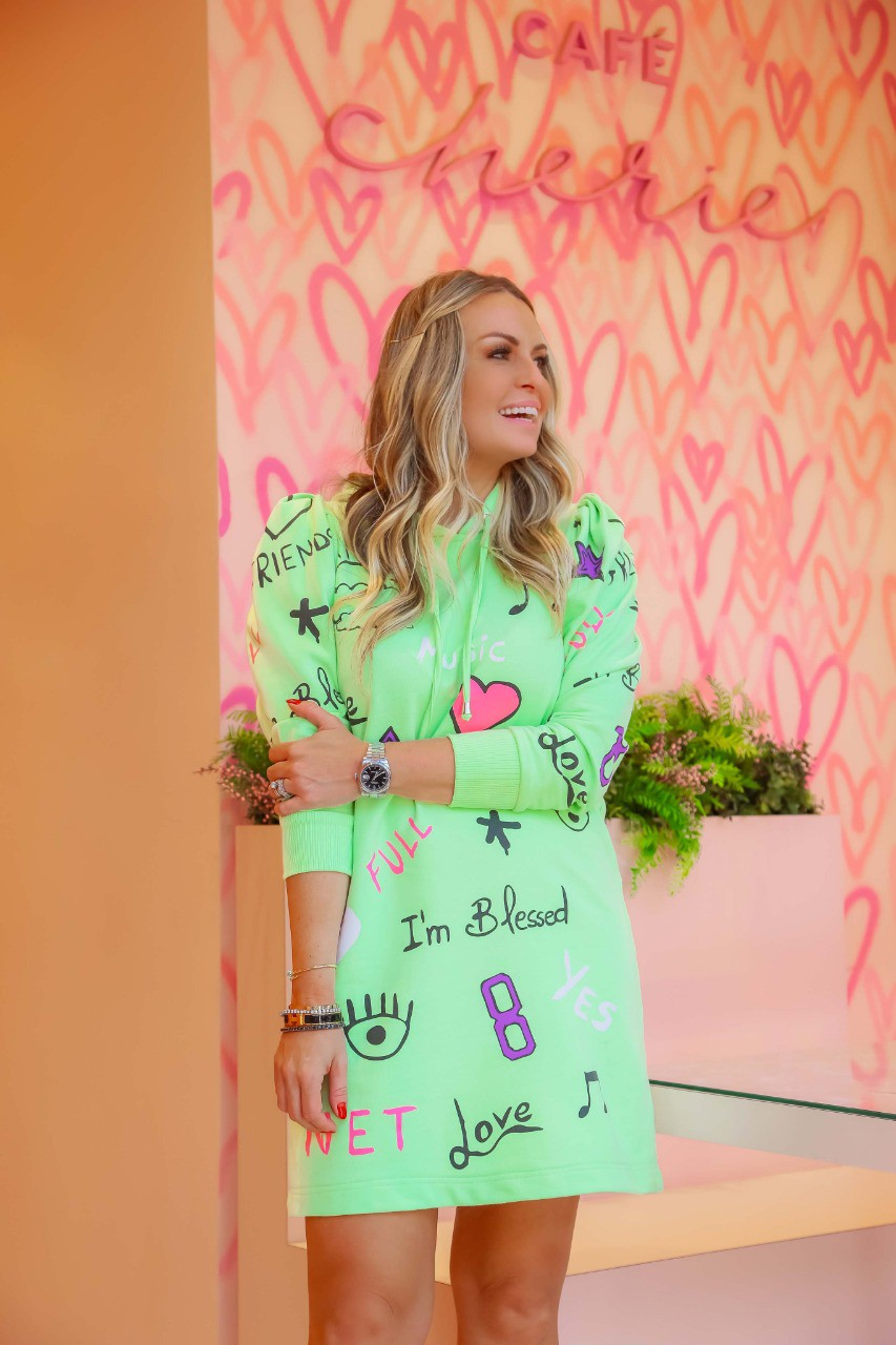 Vestido Grafitado Blessed + Copo