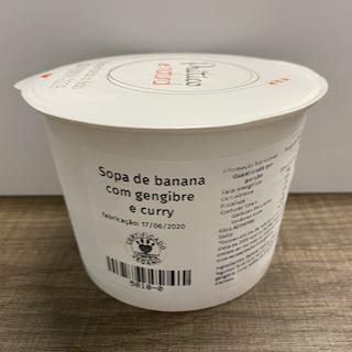 Sopa de banana com gengibre e curry
