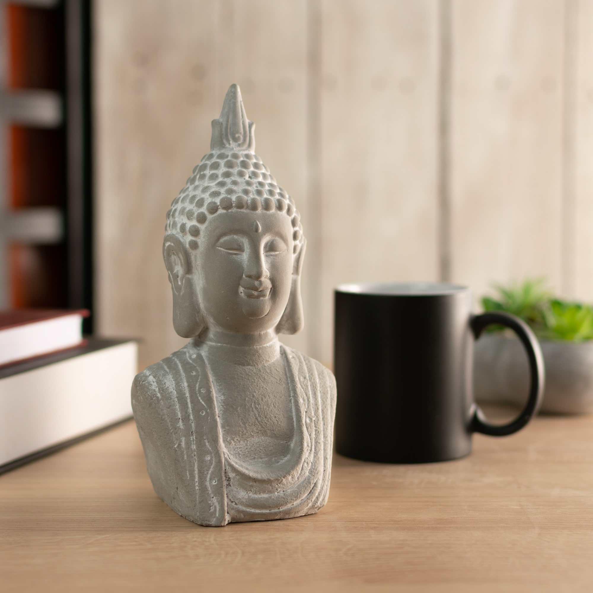 Buda Corpo Hindu Namastê Tibetano Sidarta Concreto Cinza 10,5 x 8,5 x 20cm