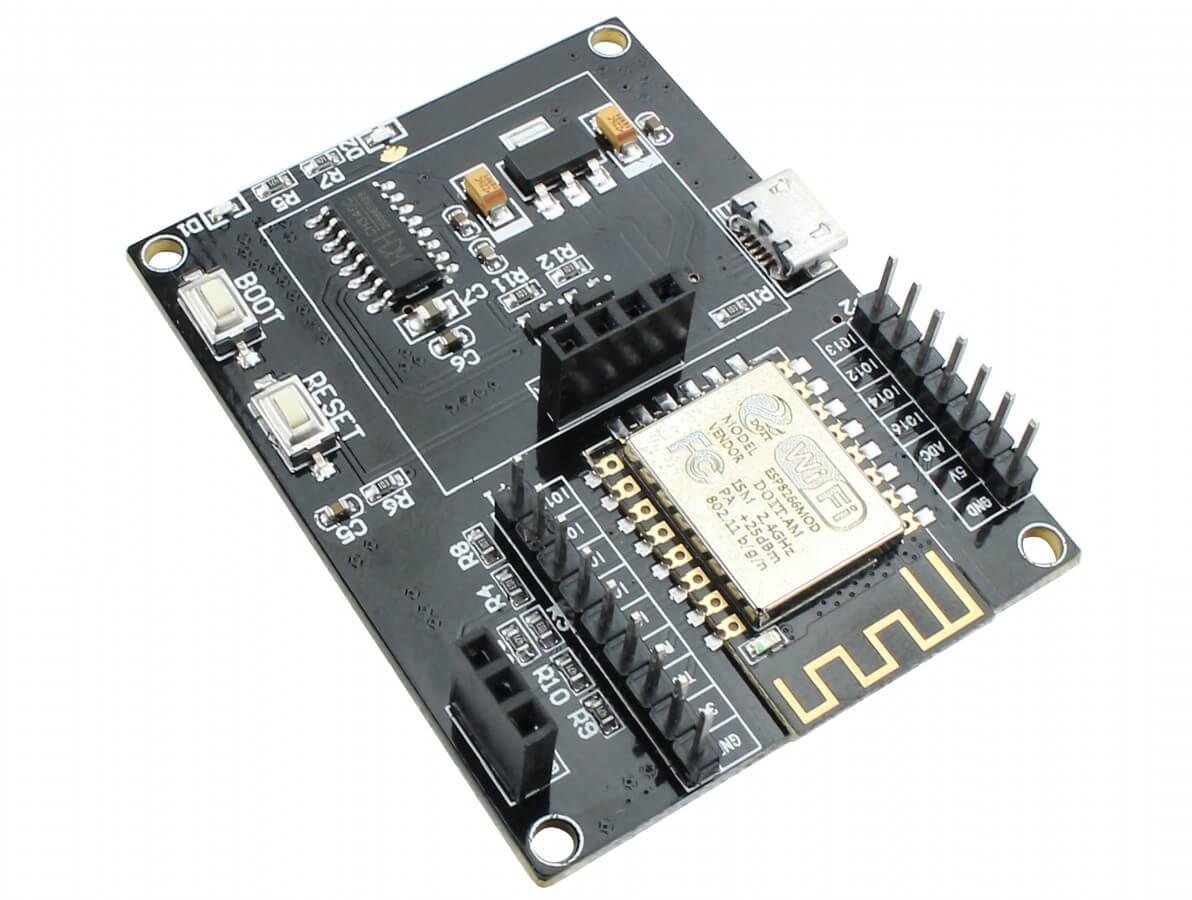 Placa de Desenvolvimento ESP8266 com Slots para Display OLED e DHT11