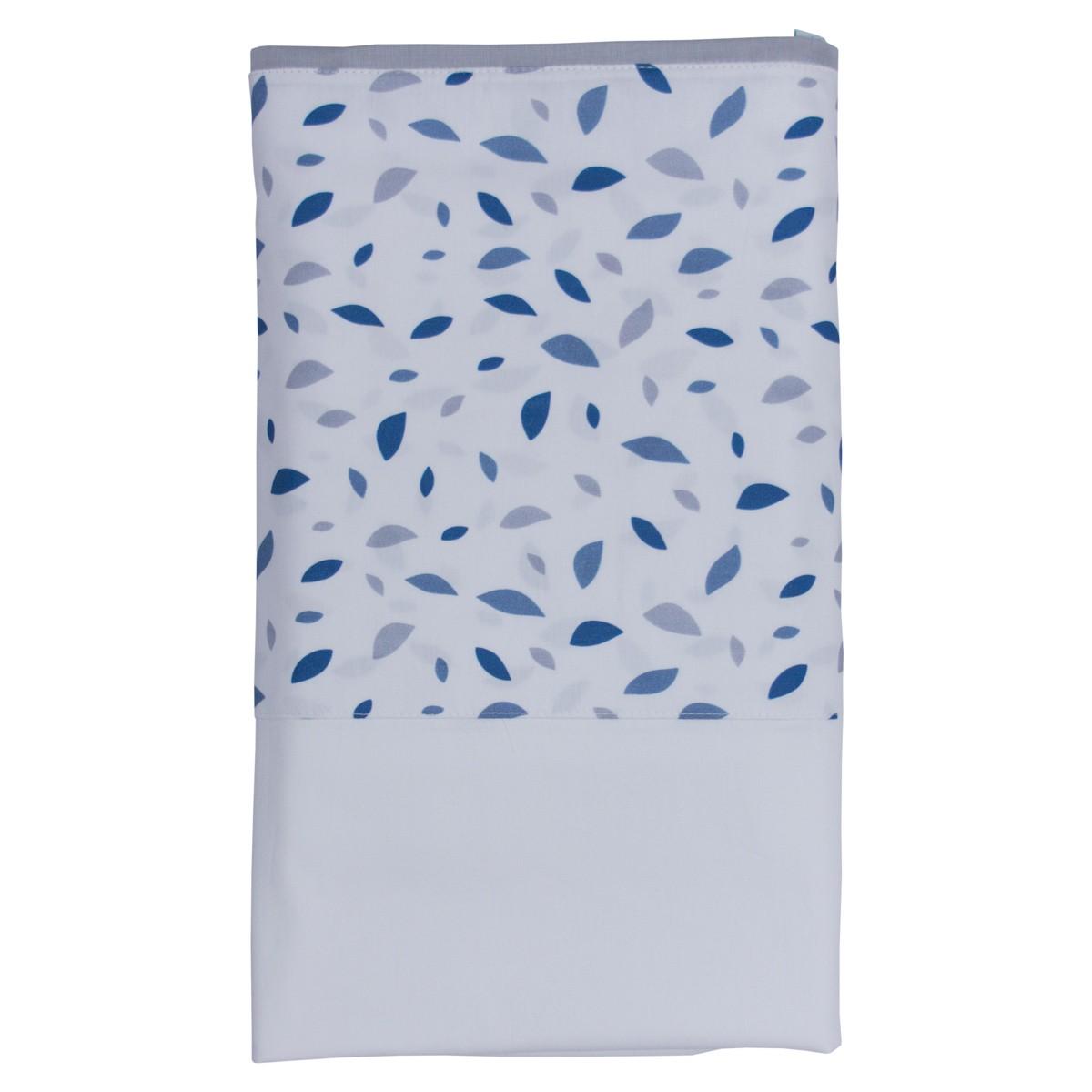Lençol branco com vira chão de folhas azul