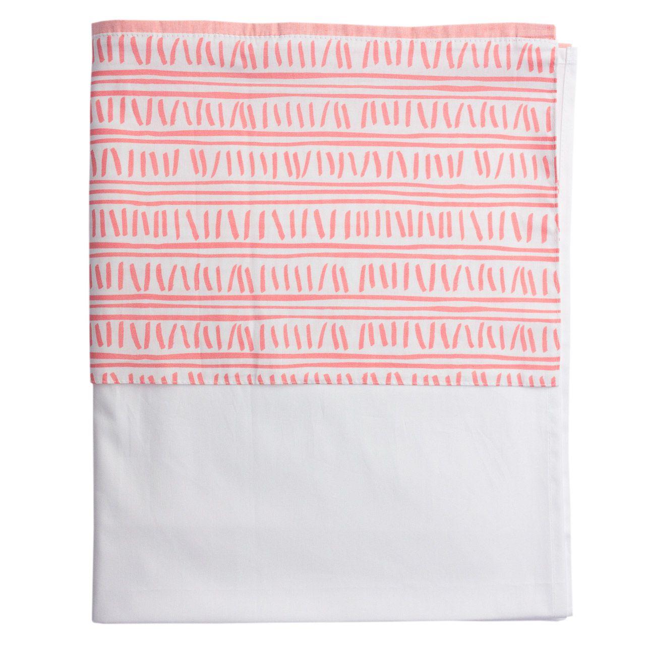 Lençol branco com vira trilha rosa