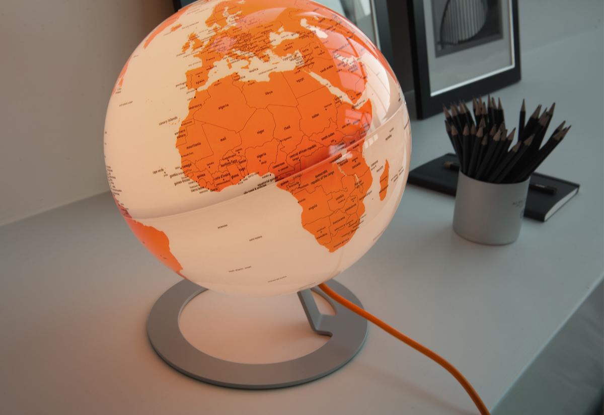 Luminária Globo Terrestre Light Orange
