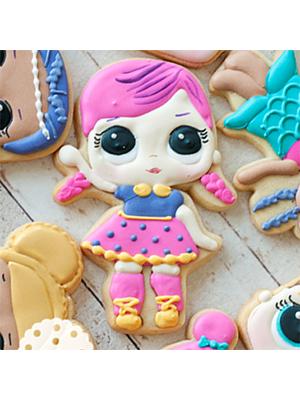 Cortador de Biscoito Super B.B. (Menina/ Bonequinha com tranças) (Tema Boneca LOL Surprise)