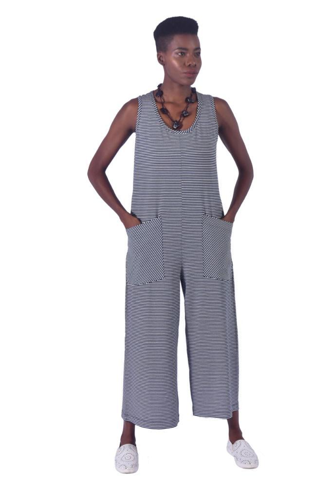 Macacão Equal Moda Inclusiva Pantacour Listrado Azul e Branco