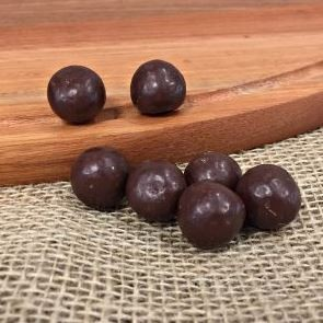 Chocolate Dragee de Licor de Morango - ao leite - 100g