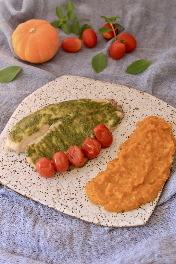 St. Peter com Molho Pesto e Tomate Confit + Purê de Abóbora