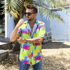 Camisa colorida tie dye