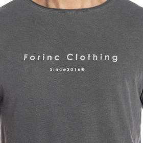 Camiseta cinza com estampa Forinc Clothing