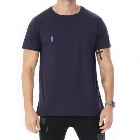 Camiseta azul marinho algodao pima com estampa caveira azul