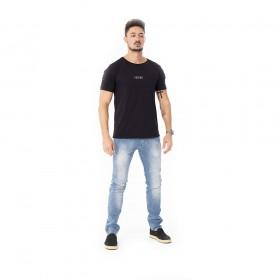 Camiseta preta algodao pima com estampa forinc