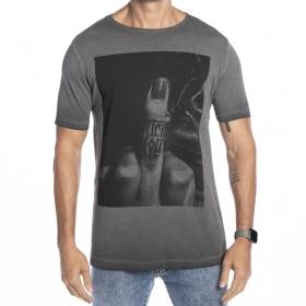 Camiseta tingimento a seco estampada