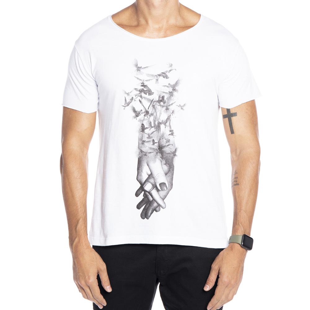 Camiseta branca estampa maos entrelacadas