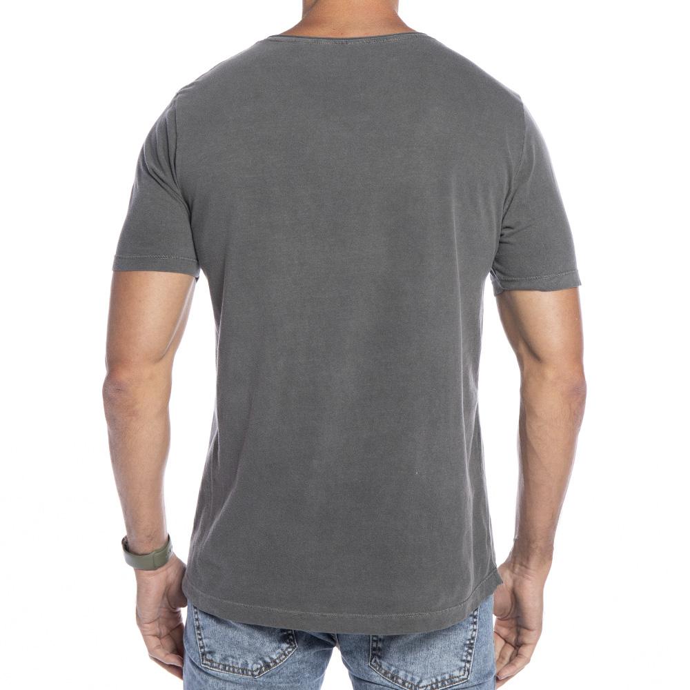 Camiseta cinza com círculo Forinc laranja